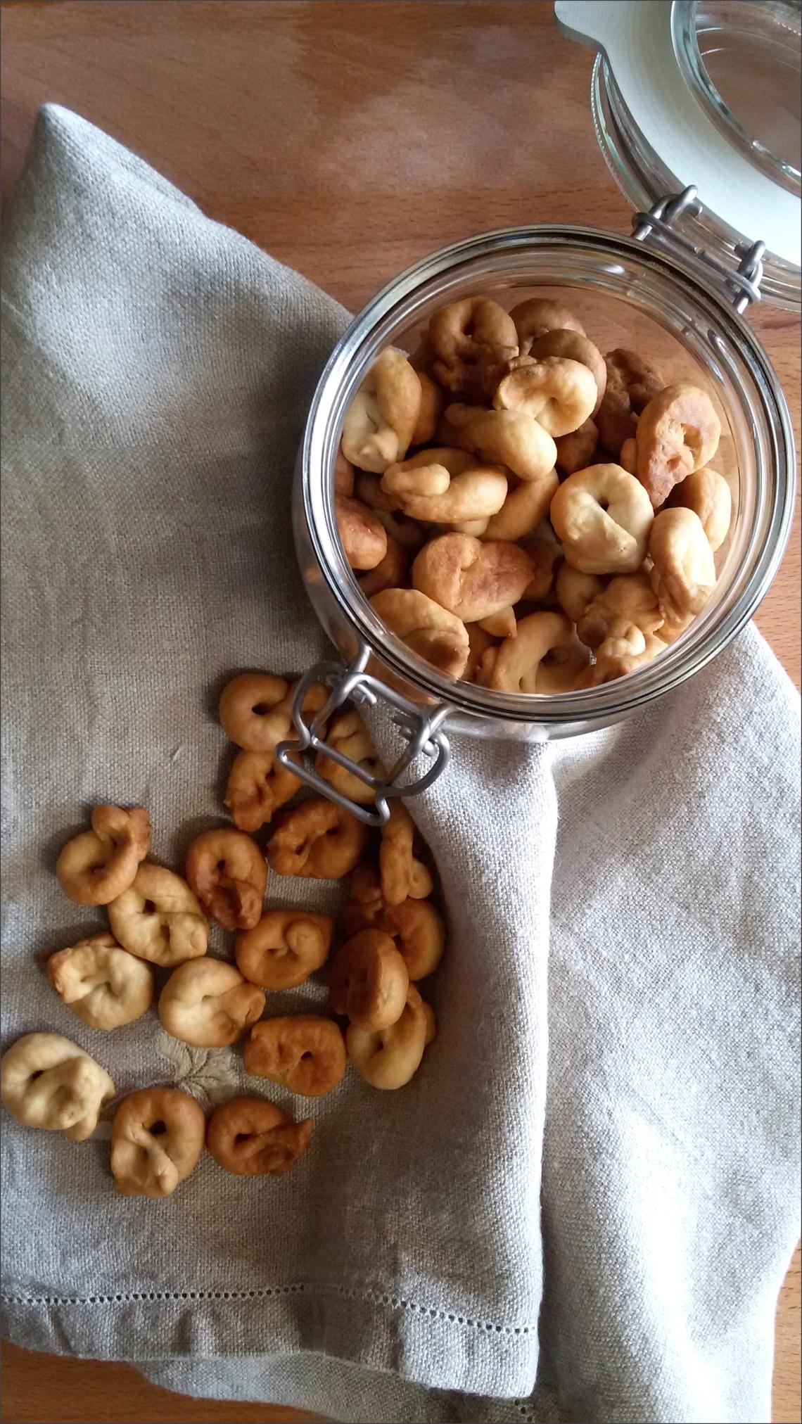 Tarallini-pugliesi-con-esubero-di-pasta-madre