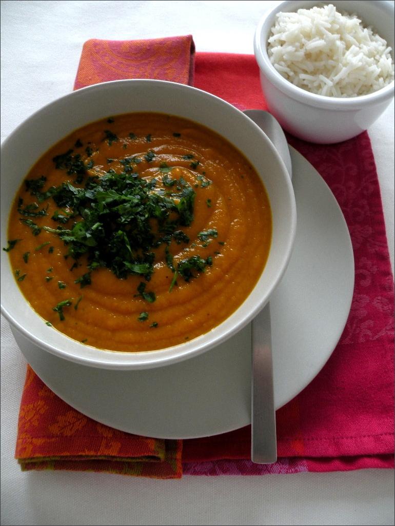 Vellutata-di-carote-con-latte-di-cocco-e-spezie