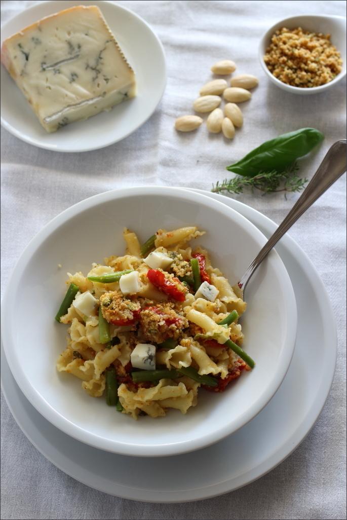 Pasta-pomodorini-e-fagiolini-con-gorgonzola-di-capra