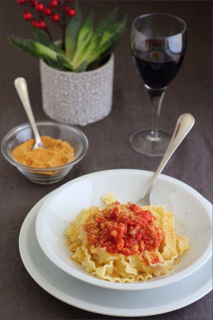 Mafalde-al-sugo-baccalà-con-mollica-tostata