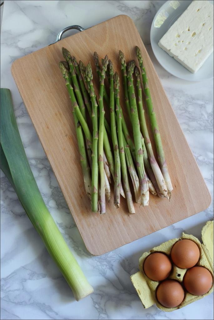 Tagliatelle-con-asparagi-e-feta