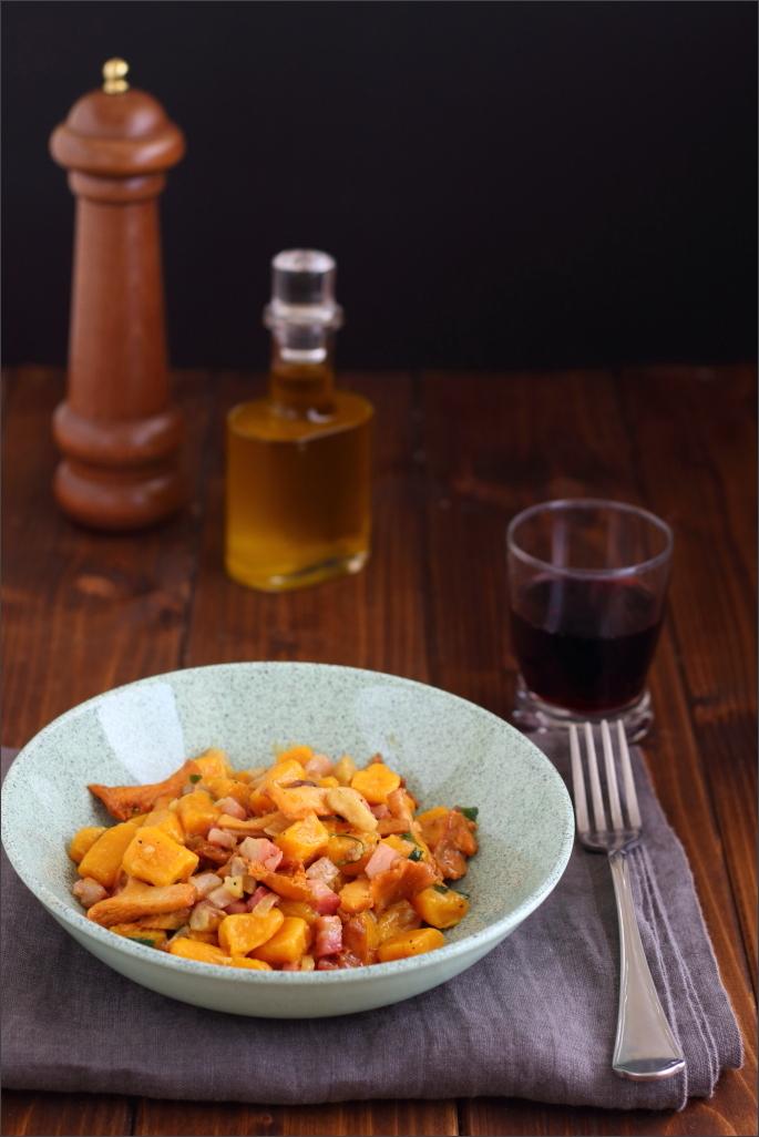Gnocchi-di-zucca-con-funghi-pancetta-e-castagne