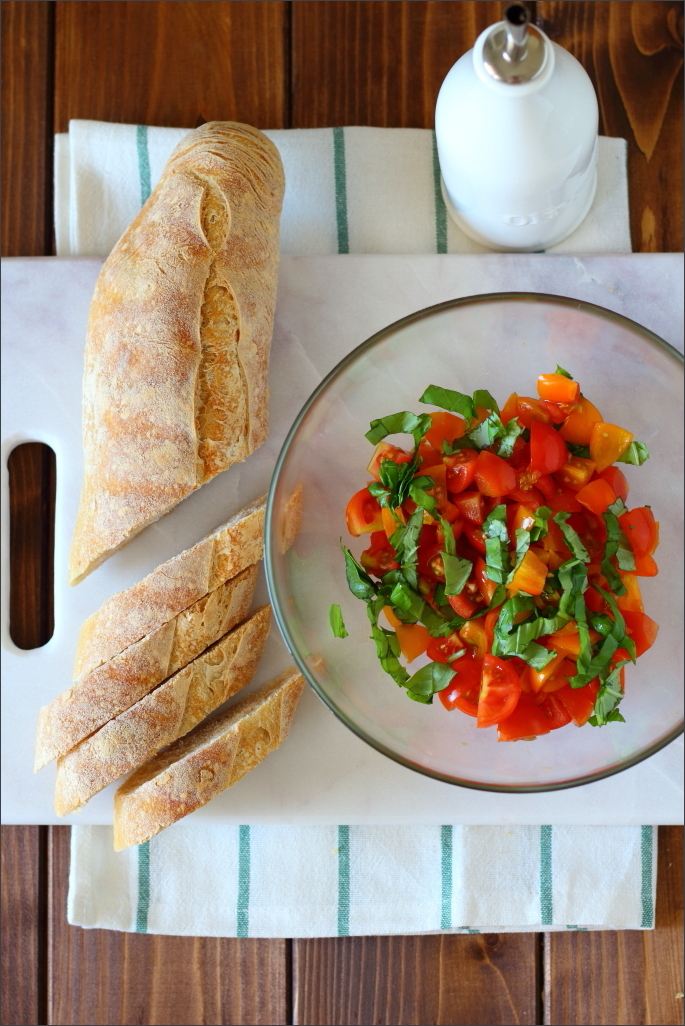 Bruschette-con-pomodori-rossi-e-gialli