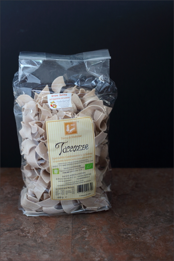 Taccozze-di-grano-solina-con-funghi-porcini-salamella-e-castagne