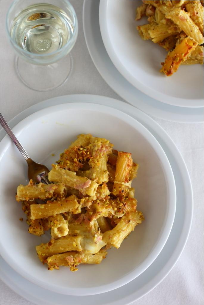Pasta-al-forno-con-mortadella-e-pesto-di-pistacchi
