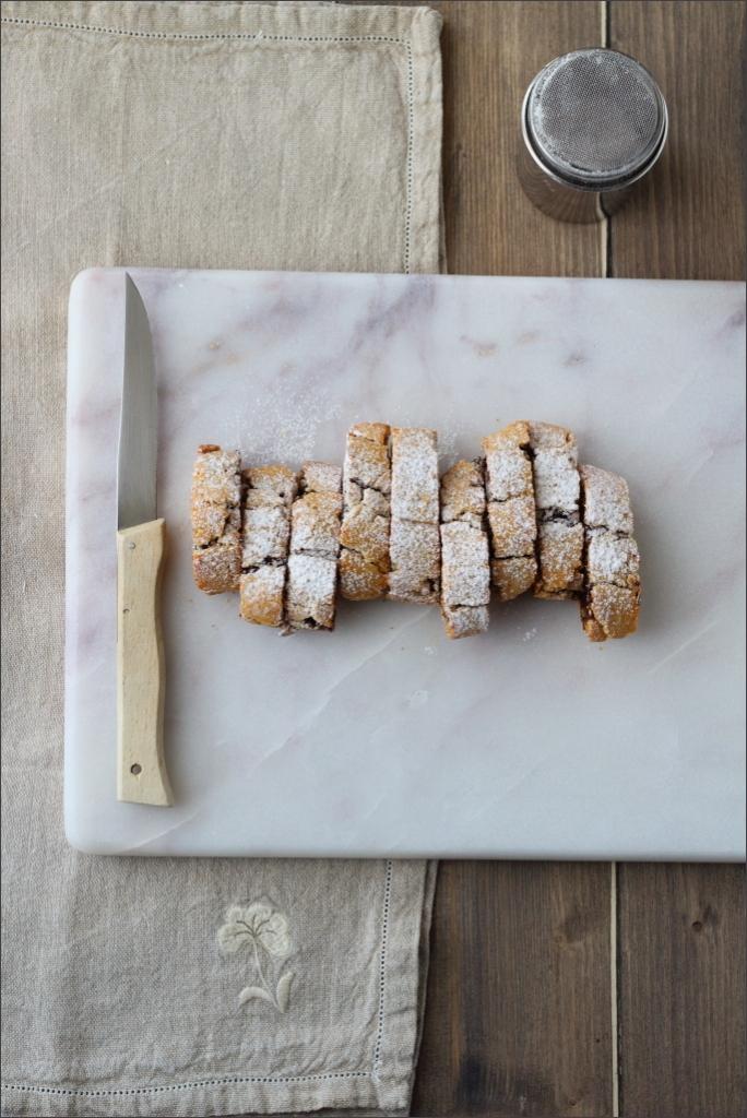Biscotti-arrotolati-con-confettura-di ciliegie