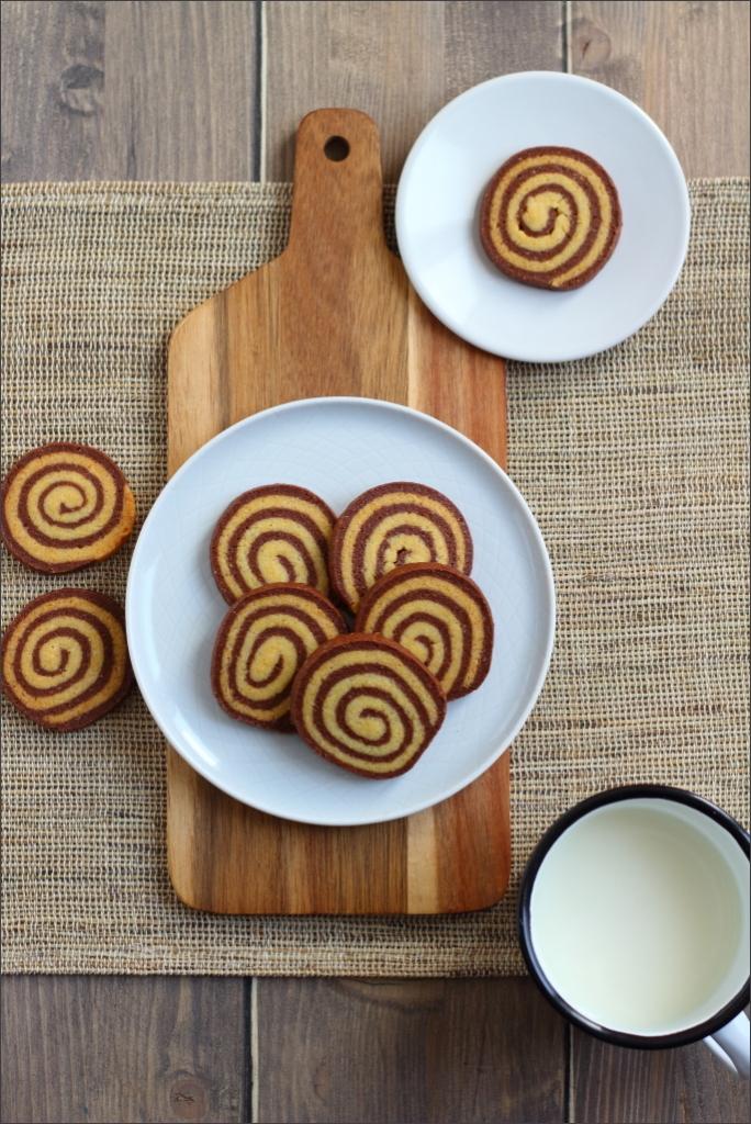 Biscotti-girandola-cacao-e-vaniglia