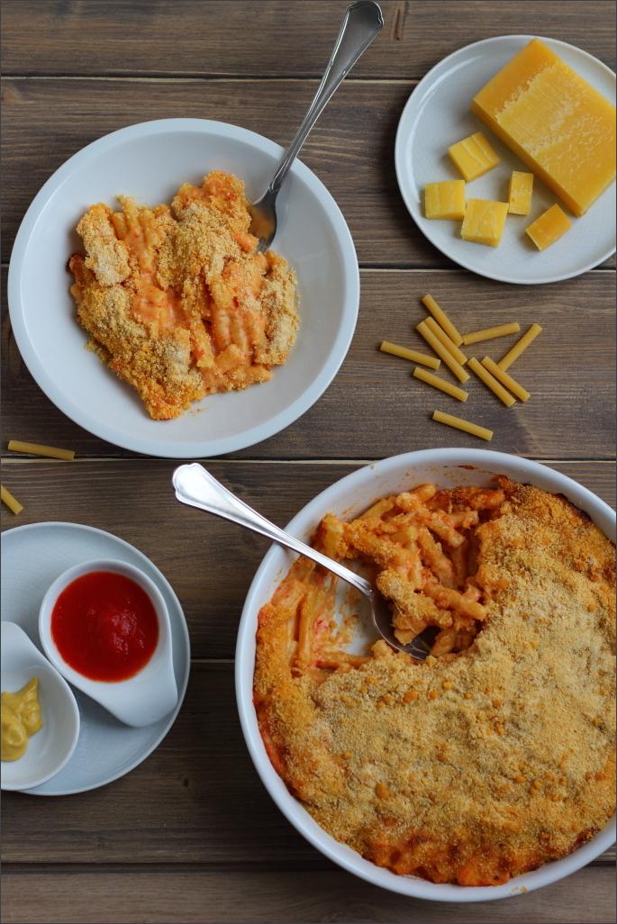 Maccheroni-al-formaggio-macaroni-cheese