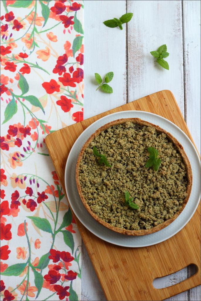 Crostata-di-grano-saraceno-con-tahina-marmellata-di-ciliegie-e-streusel-alla-menta