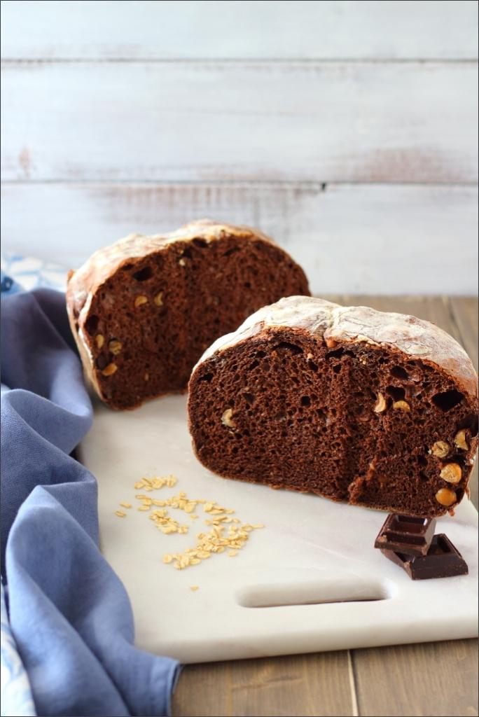 Pane-al-cioccolato-e-nocciole-tostate